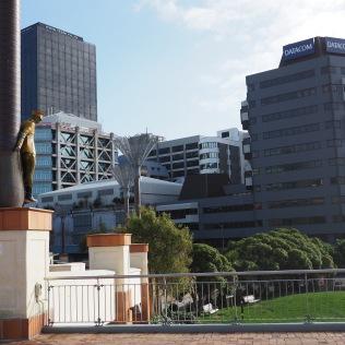 Sculpture commemorating conscientious objectors