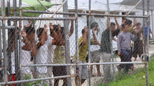Asylum_seekers_manus
